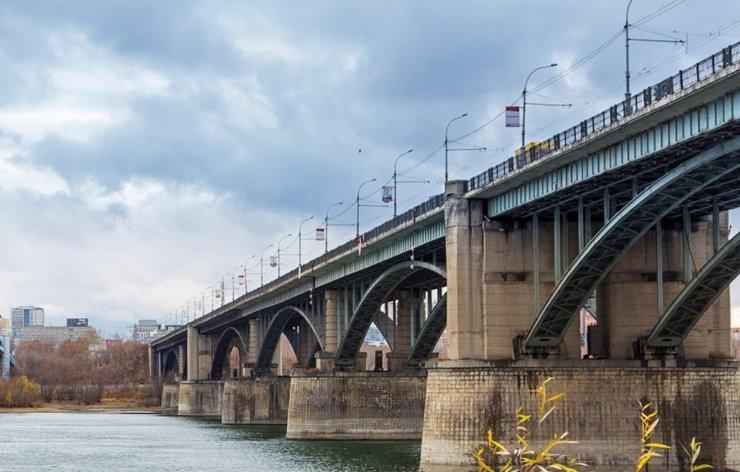 В Новосибирске отремонтируют Октябрьский мост