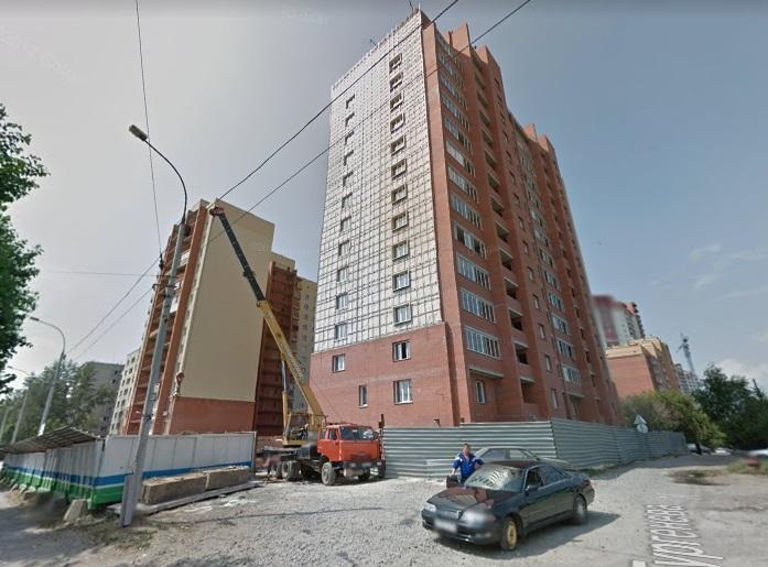 В Новосибирске во дворе бывшего долгостроя хотят «воткнуть» жилой дом