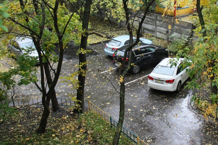 Платного паркинга в столичных дворах не будет