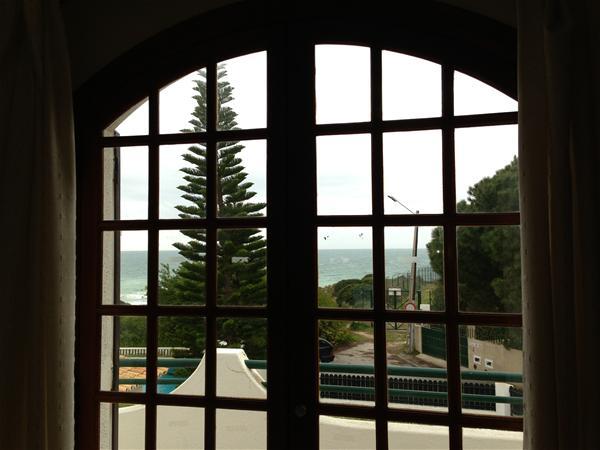 Купить дом - виллу на берегу океана в Португалии