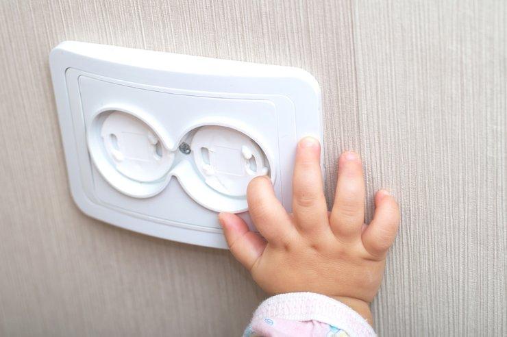 Дома и в безопасности: как уберечь самых маленьких