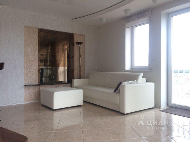 d682e15dbfcf5 Объект реализуется с дорогой отделкой в современном стиле, в квартире есть  две открытые террасы, сауна, бильярдный зал. В стоимость входит вся мебель  и ...