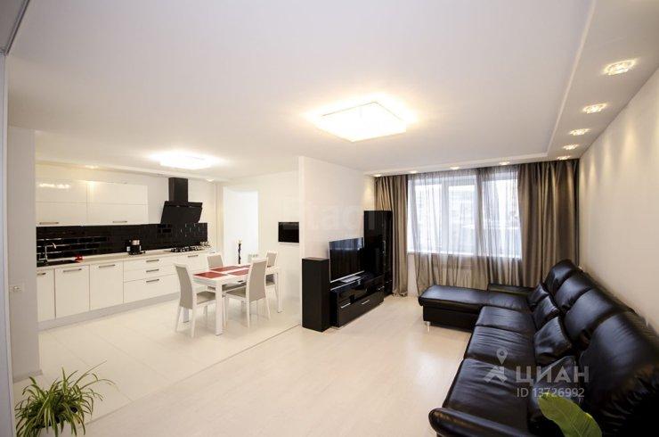 0f50adf5846b9 В Саратове самая дорогая однокомнатная квартира обойдется в 5,65 млн  рублей. Лот площадью 56 кв. м представляет собой жилое пространство,  оформленное в ...