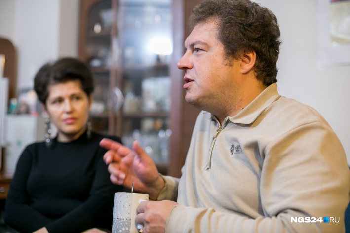 Сам Андрей Бардин в привидения не верит и старается найти «странностям» зала научное объяснение