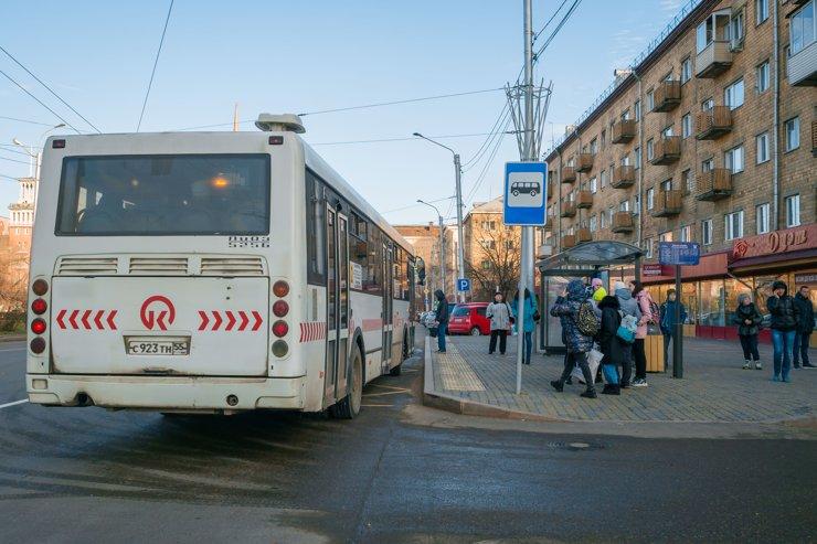 Не то чтобы тем, кто может позволить себе квартиру в «Новоостровском», были нужны автобусные остановки. Но вдруг