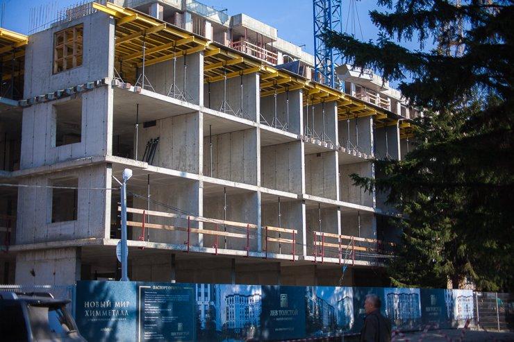 Строительство второй десятиэтажки ЖК началось не так давно