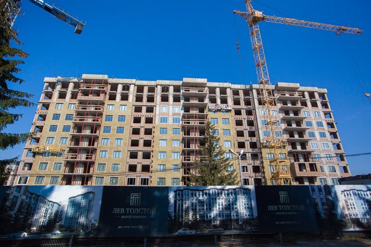 Пока строительство домов еще далеко от завершения