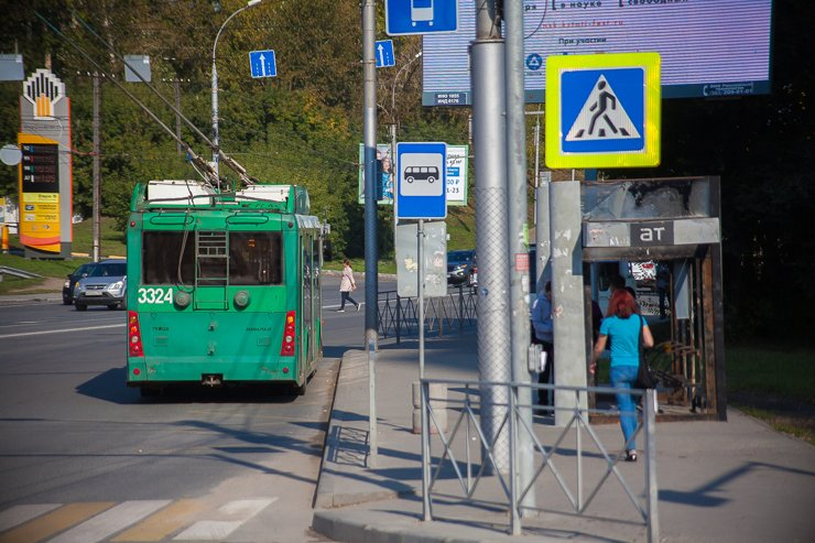 Транспортная развязка рядом с ЖК позволяет без особых проблем уехать почти во все районы правого берега
