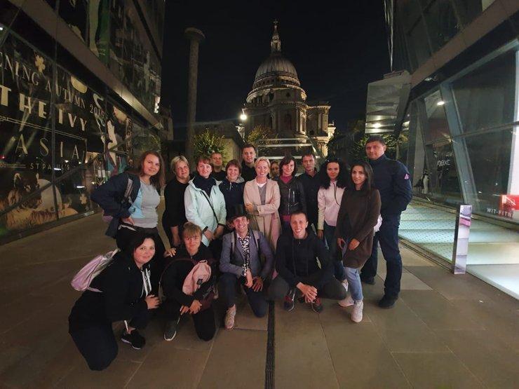Екатерина Спирина со своей командой в Лондоне