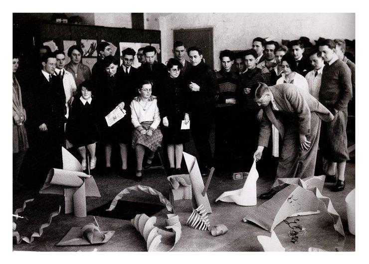 Занятия Джозефа Альберса в Школе Баухаус